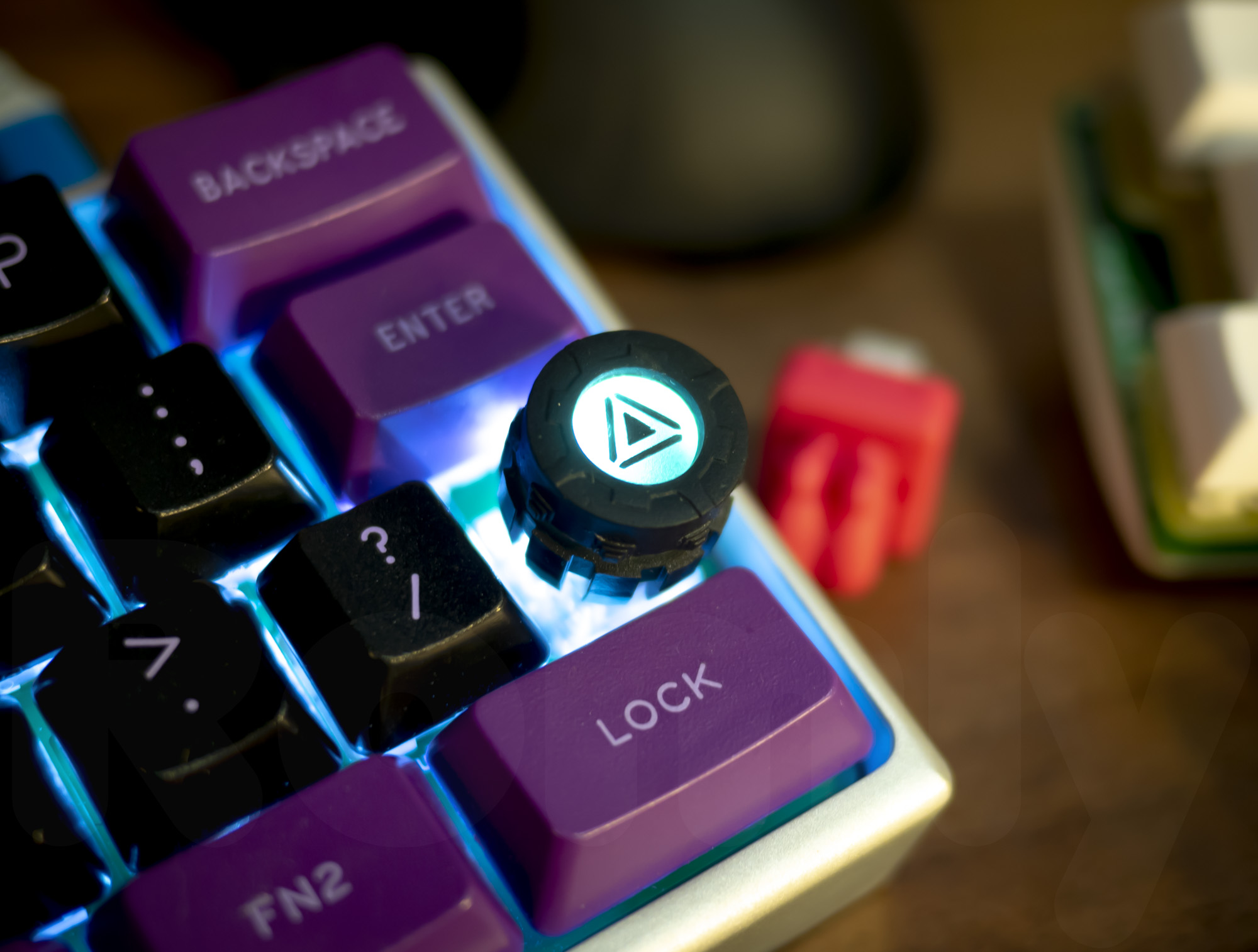 M.7 Spinning Core Artisan Keycap with LED