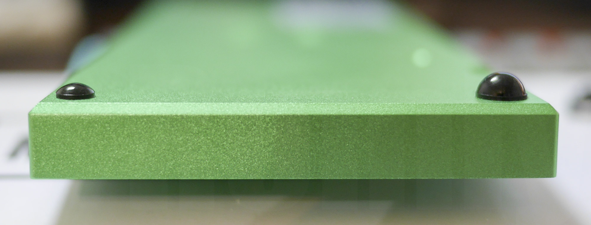 Planck Keyboard: ゴム足による傾斜作成1