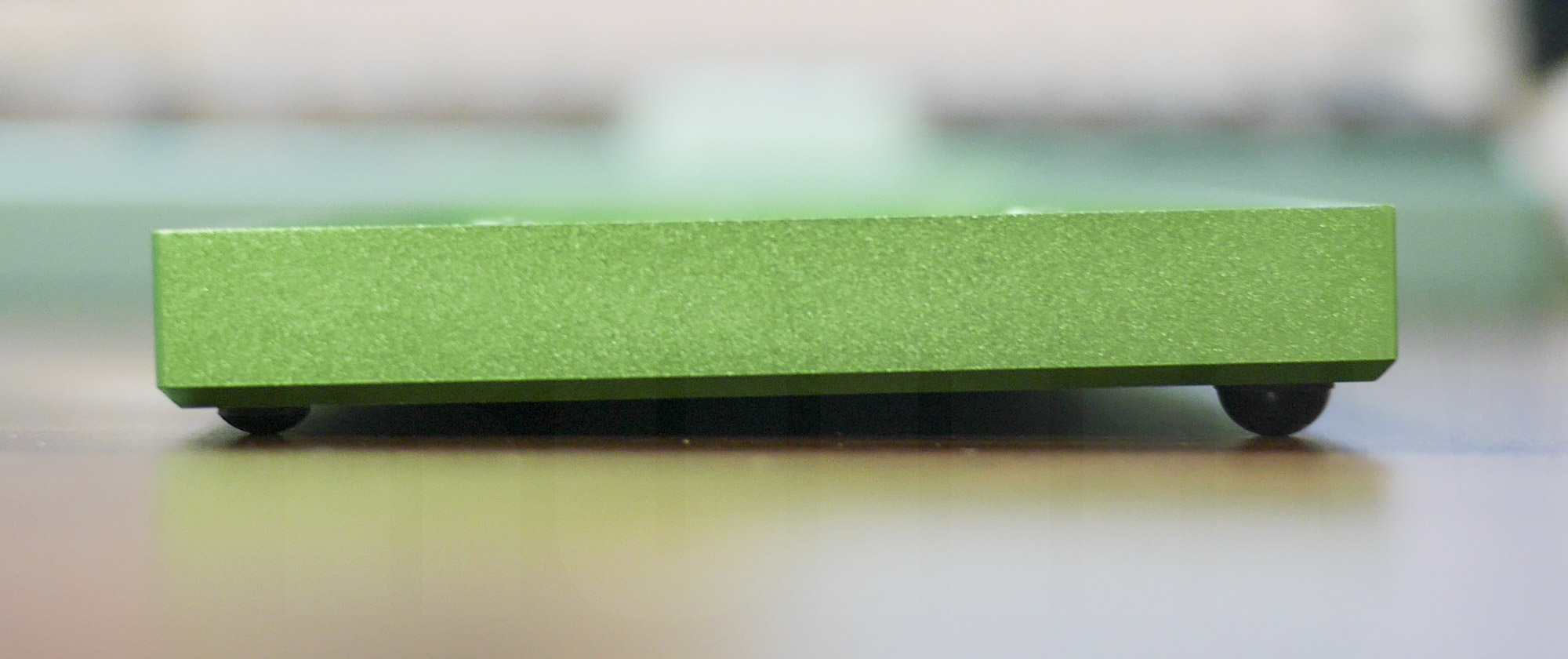 Planck Keyboard: ゴム足による傾斜作成2