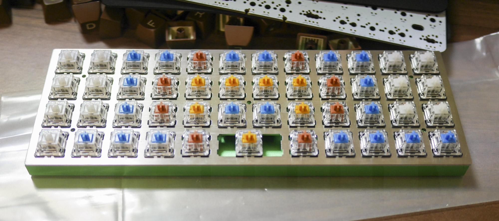 Planck Keyboard: キースイッチの組み込み完了