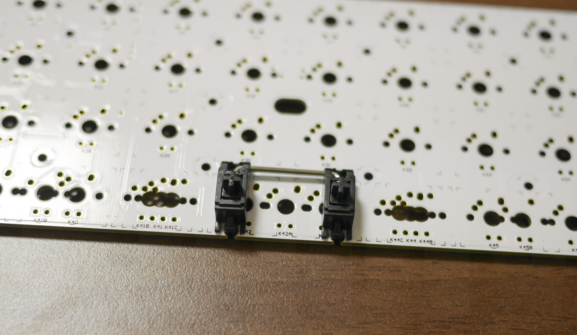 Cherry MX Plate-mounted Stabilizer on Planck PCB