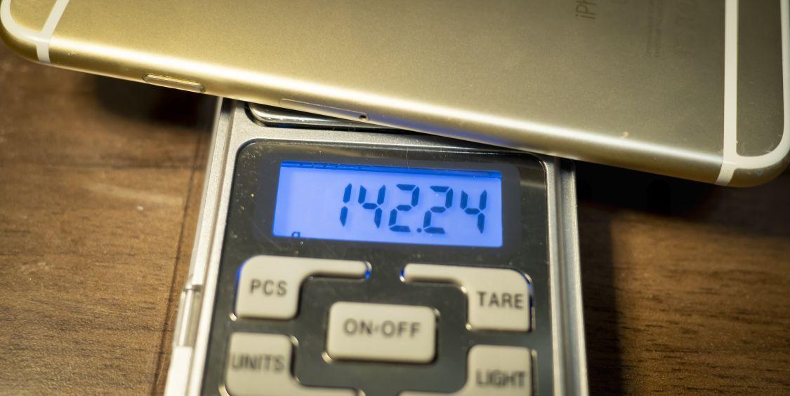 iPhone 6s 重量