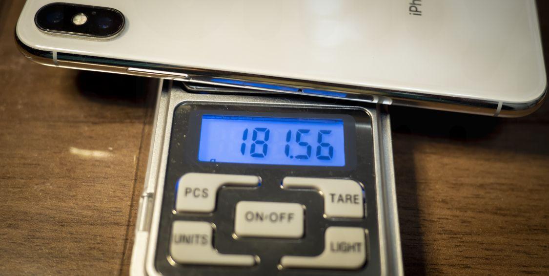 iPhone X 重量