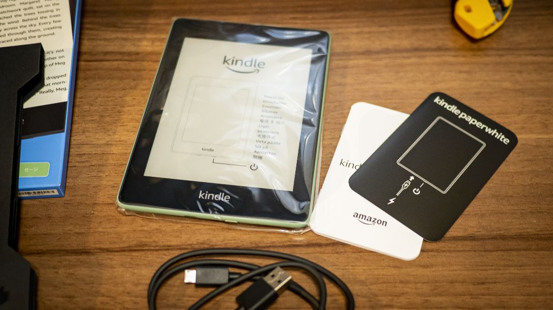 Kindle Paperwhite Sage - 内容物