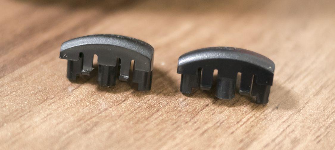古いLRボタンと、交換用LRボタン5